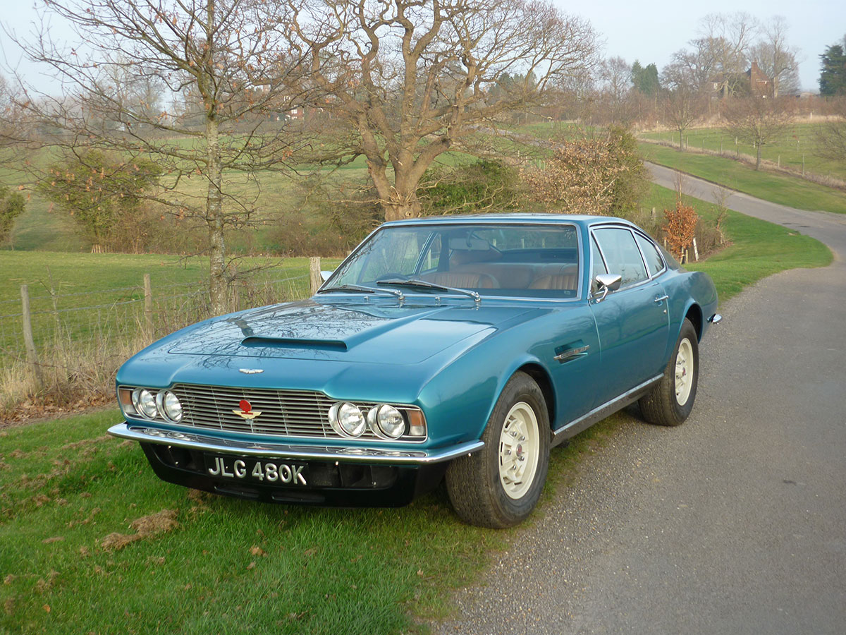 Aston-Martin-DBS-V8-4