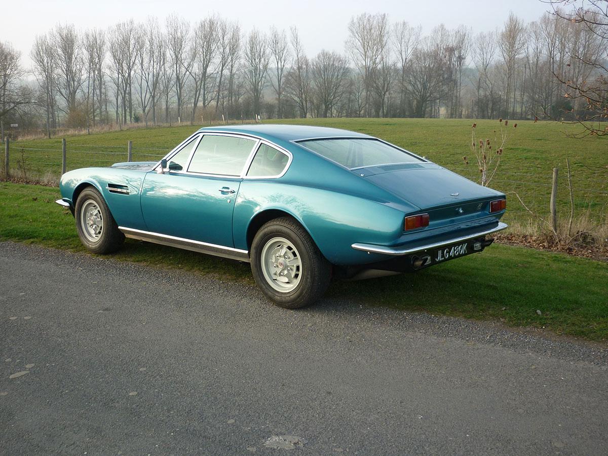 Aston-Martin-DBS-V8-6