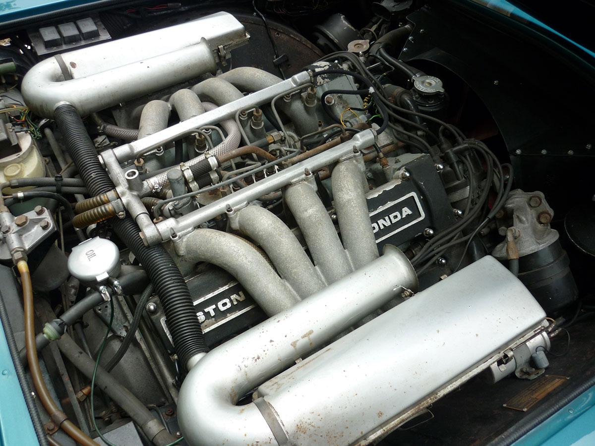 Aston-Martin-DBS-V8-7
